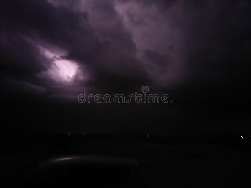 Deserto alto da tempestade do relâmpago foto de stock