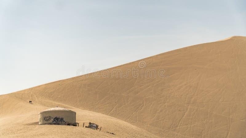 Deserto de Huacachina e dunas da areia na região do AIC, Peru imagem de stock