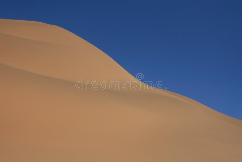 Deserto e cielo immagini stock