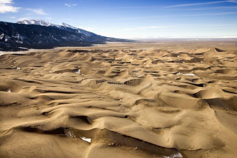 Deserto e montanhas imagem de stock