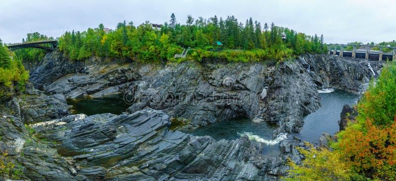 Desfiladeiro de Saint John River em quedas grandes fotos de stock