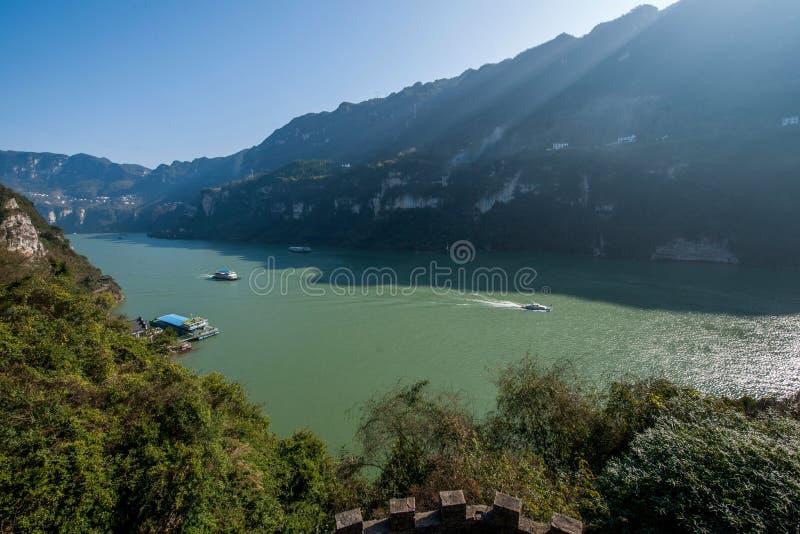 Desfiladeiro de Yiling o Rio Yangtzé Three Gorges Dengying imagem de stock