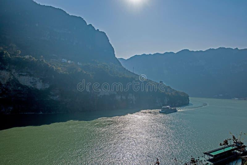 Desfiladeiro de Yiling o Rio Yangtzé Three Gorges Dengying fotografia de stock royalty free
