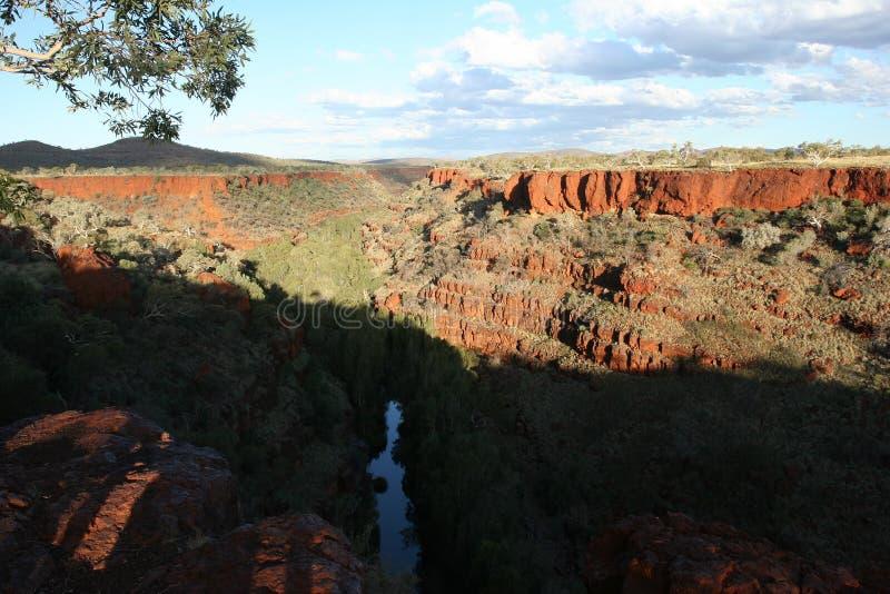Desfiladeiro dos vales em Karijini NP imagens de stock