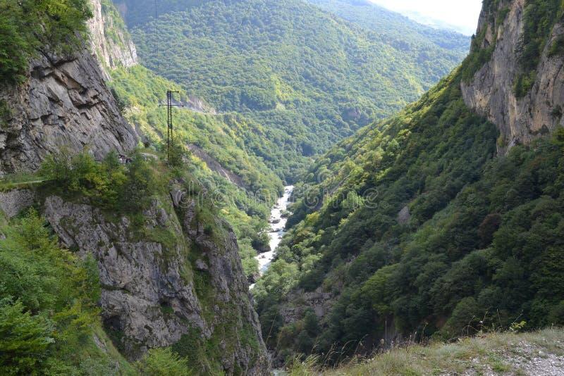 Desfiladeiro Kabardino-Balcária Cáucaso de Chemgensky foto de stock royalty free