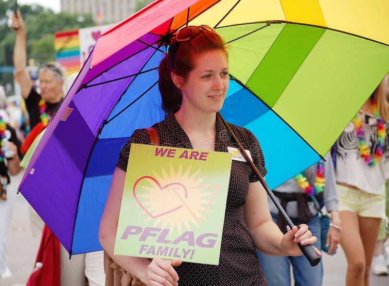 Desfile alegre del orgullo de las ciudades gemelas foto de archivo