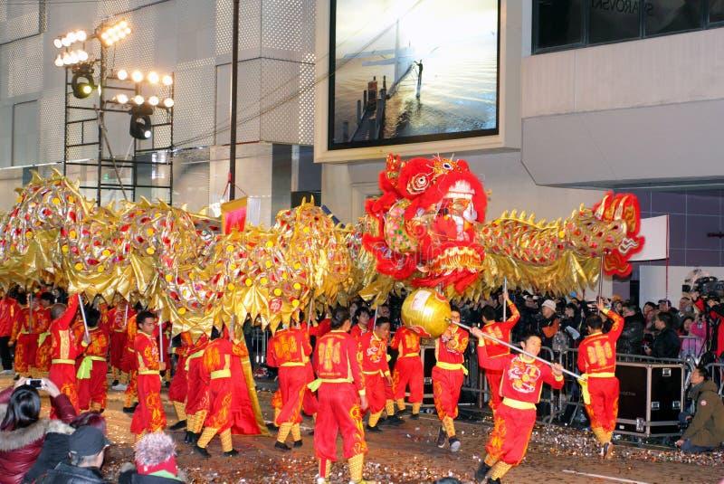 Desfile chino internacional 2012 de la noche del Año Nuevo imagenes de archivo