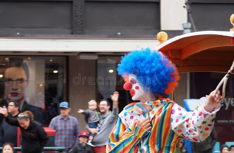 Desfile colorido de In KDays del payaso imagenes de archivo