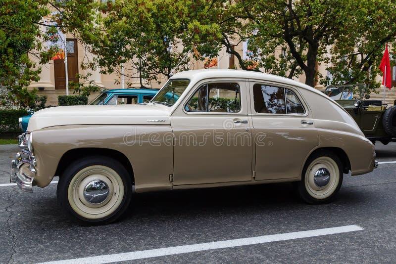 Desfile de automóviles celebrador de Sochi Victory Day Cars imagenes de archivo