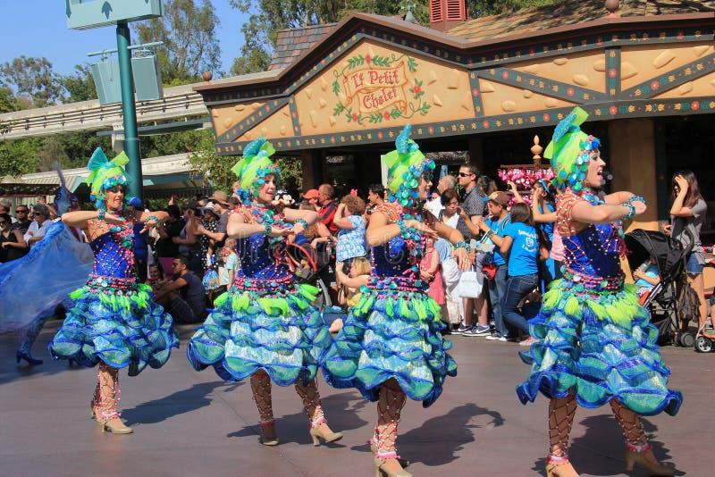 Desfile de Disney en Disneyland fotografía de archivo