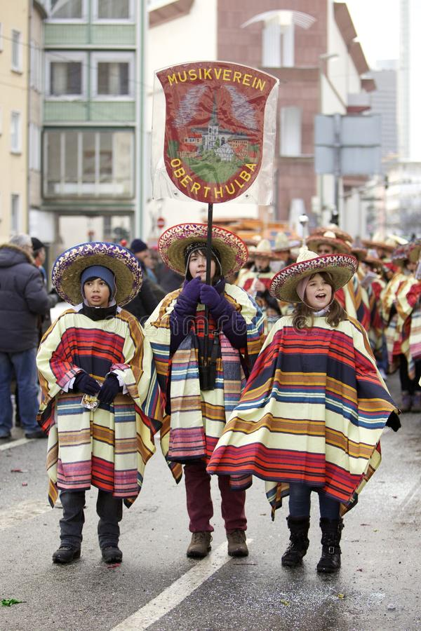 Desfile de la calle del carnaval - Francfort, febrero de 2010 foto de archivo