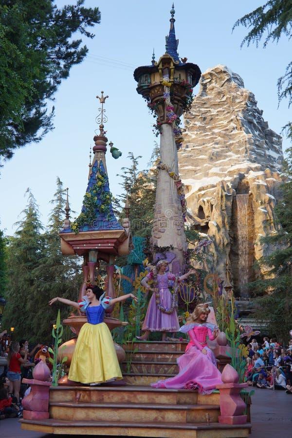 Desfile de la fantasía de Disneyland de princesas fotos de archivo