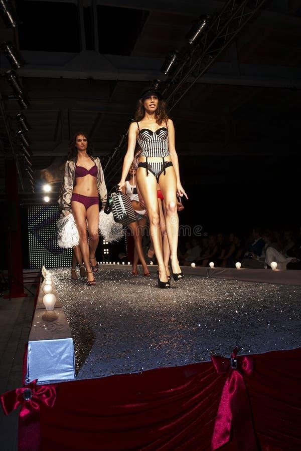 Desfile de moda em Varsóvia imagem de stock royalty free