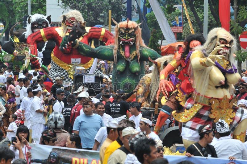 Desfile de Ogoh Ogoh celebrado en Eve Of Nyepi foto de archivo libre de regalías