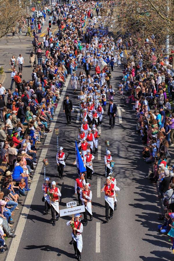 Desfile del día de fiesta de la primavera en la ciudad de Zurich, Suiza imagen de archivo