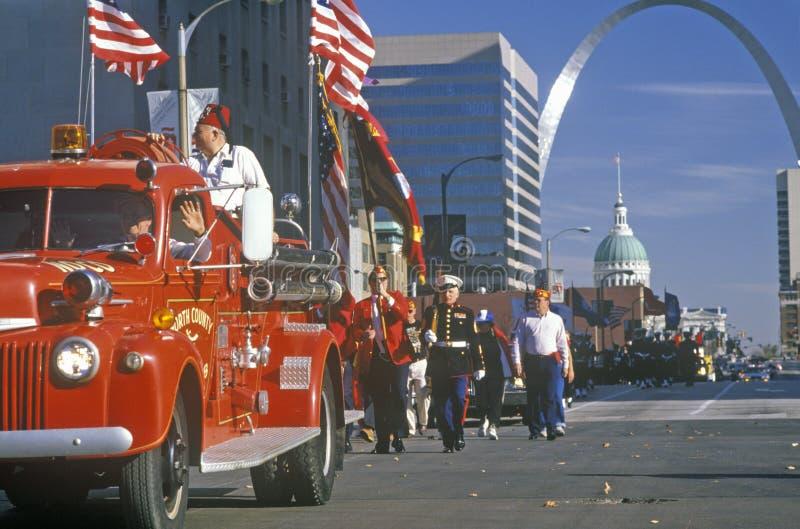 Desfile del día de veteranos, St. Louis, MES imagen de archivo libre de regalías