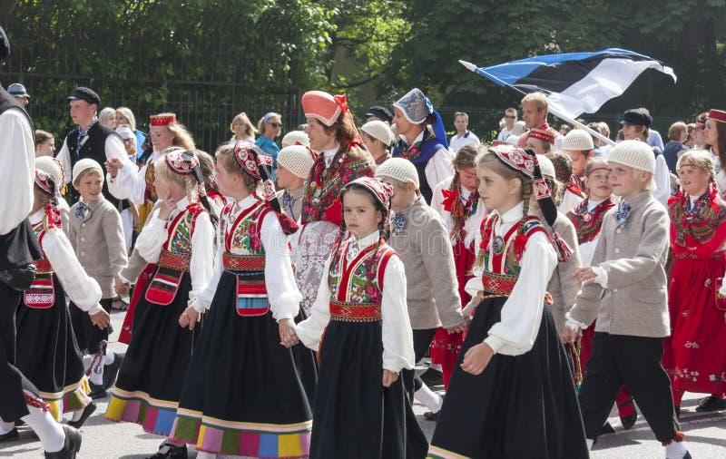 Download Desfile Del Festival Nacional Estonio De La Canción En Tallinn, Estonia Fotografía editorial - Imagen de desfile, arrope: 42434927