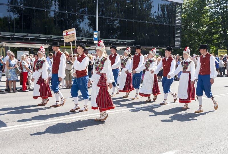 Download Desfile Del Festival Nacional Estonio De La Canción En Tallinn, Estonia Imagen de archivo editorial - Imagen de público, holiday: 42435154
