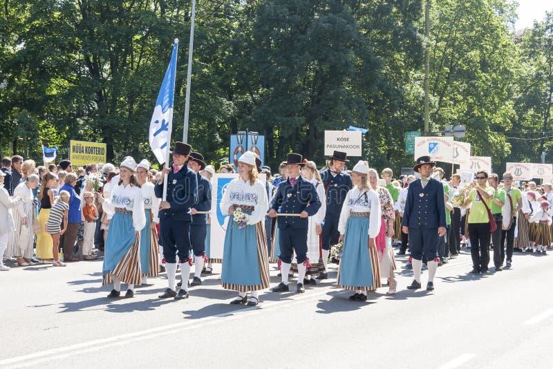 Download Desfile Del Festival Nacional Estonio De La Canción En Tallinn, Estonia Imagen editorial - Imagen de holiday, acontecimiento: 42435205
