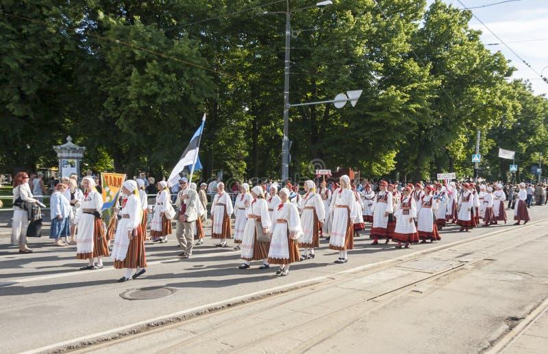 Download Desfile Del Festival Nacional Estonio De La Canción En Tallinn, Estonia Foto de archivo editorial - Imagen de tallinn, cultura: 42436083