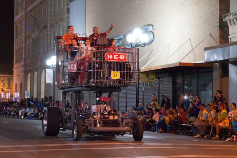 Desfile iluminado de la noche imagen de archivo libre de regalías