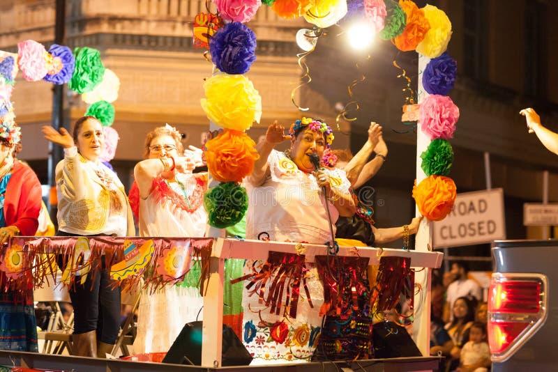 Desfile iluminado de la noche fotos de archivo libres de regalías