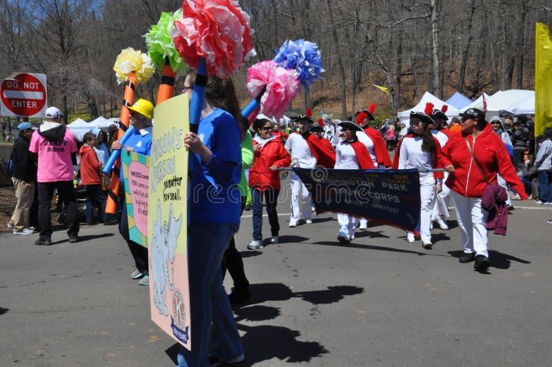 Desfile no 37th festival anual do narciso amarelo em Meriden, Connecticut imagem de stock