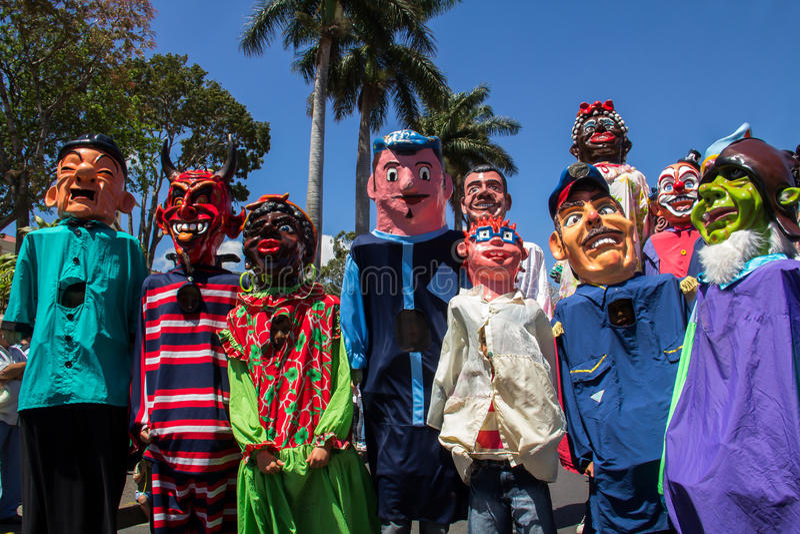 Desfile típico de la mascarada en Costa Rica fotografía de archivo