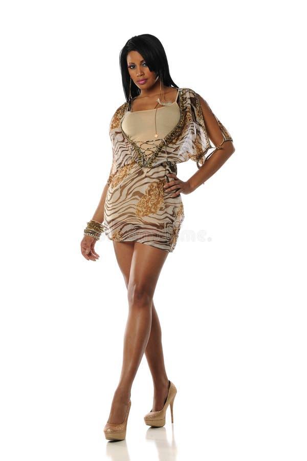 Desgastar novo da mulher preta dres extravagantes imagem de stock royalty free