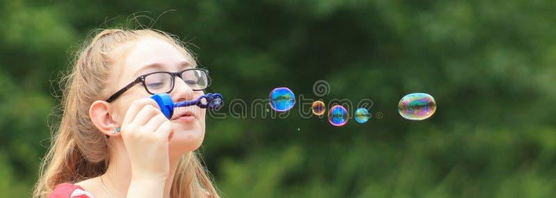 Desiderio teenager 2 della ragazza-bolla immagini stock