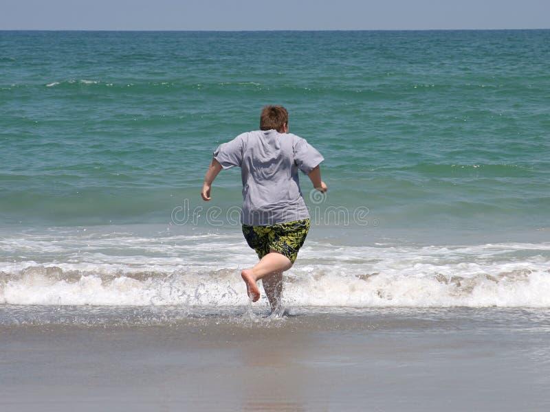 Download Desideroso di nuotare fotografia stock. Immagine di people - 210332