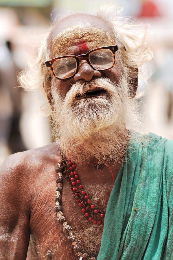 Desierto de la India, Rajasthán, Thar: Sacerdote hindú imagenes de archivo