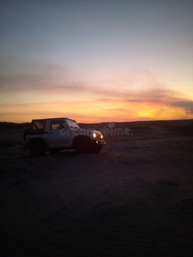 Desierto de la puesta del sol fotografía de archivo