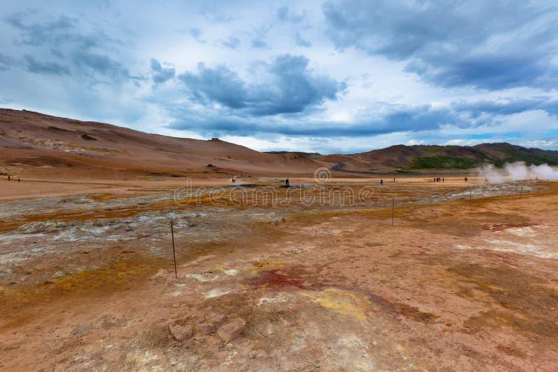 Desierto de piedra en el área geotérmica Hverir, Islandia imagen de archivo