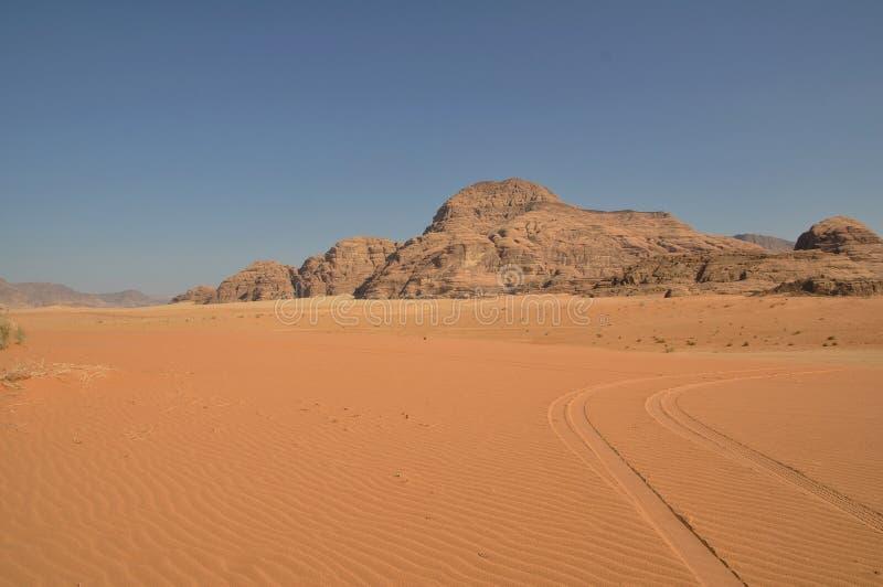 Desierto del ron del lecho de un río seco imágenes de archivo libres de regalías