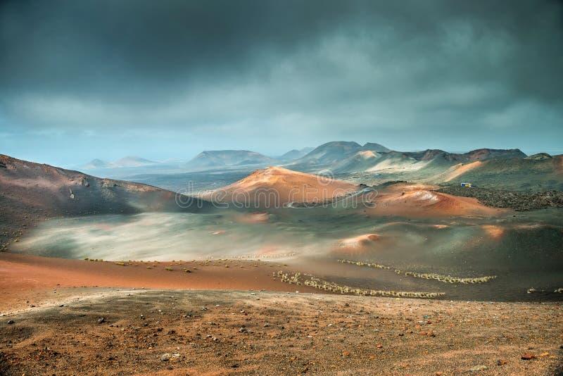 Desierto del volcán y de la lava fotos de archivo