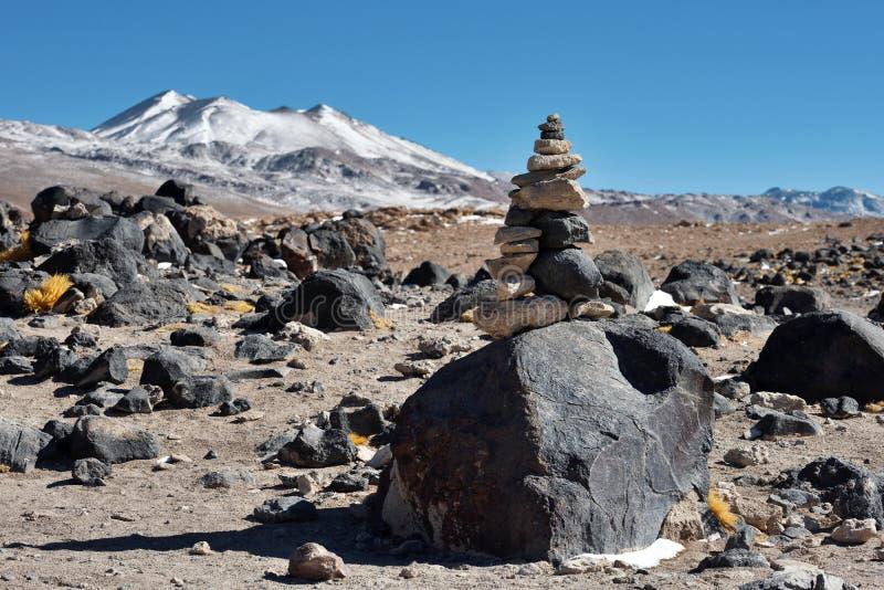 Desierto volcánico de Altiplano en Bolivia imagenes de archivo