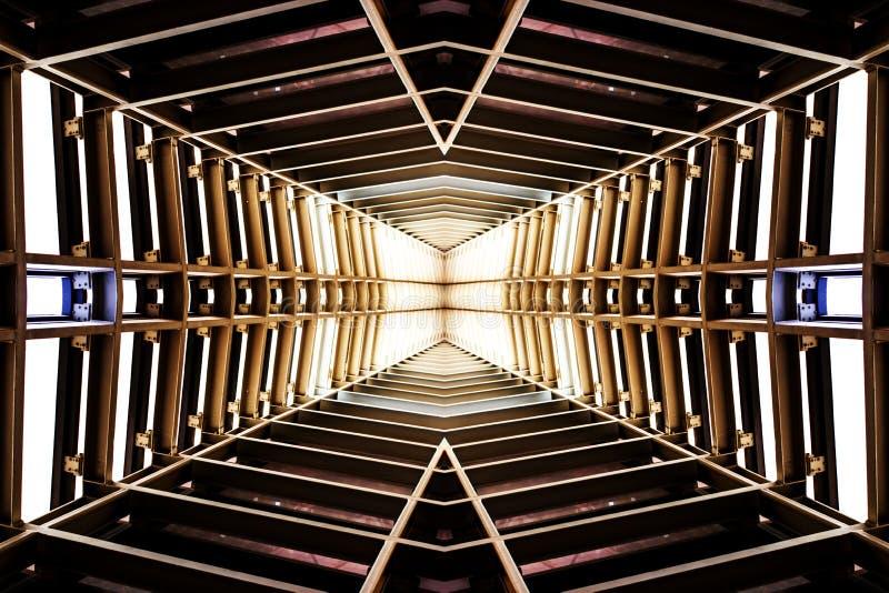 Design av metallstrukturen som är liknande till rymdskeppinre, perspec royaltyfria foton