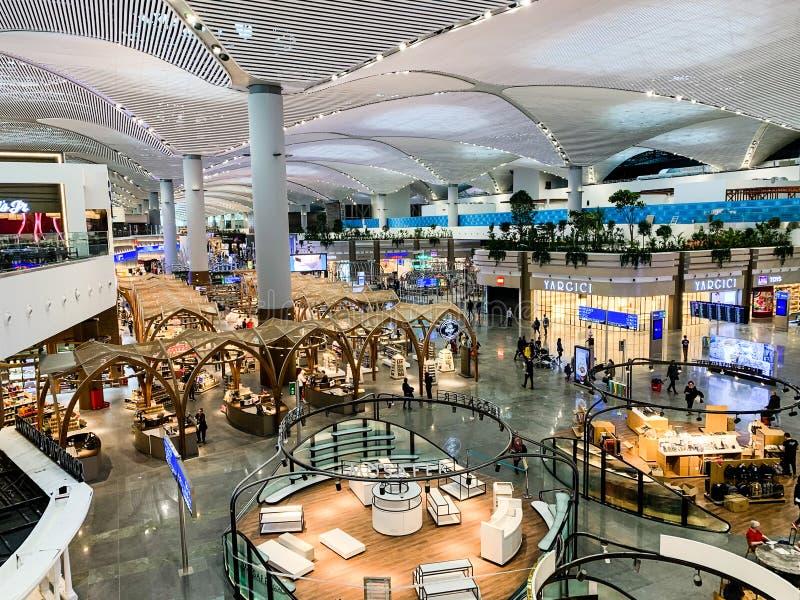 Design de interiores das ISTs novas do aeroporto que recentemente abriram e substituem o aeroporto internacional de Ataturk Istam imagem de stock