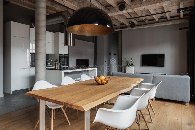 Design industriel dans l'intérieur à la maison photo stock