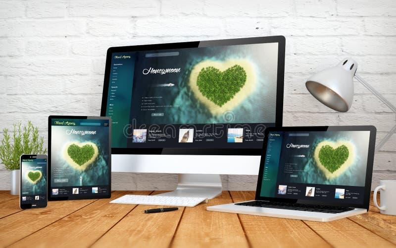Design-Schirm multidevices der romantischen Reisewebsite entgegenkommende lizenzfreie stockfotos