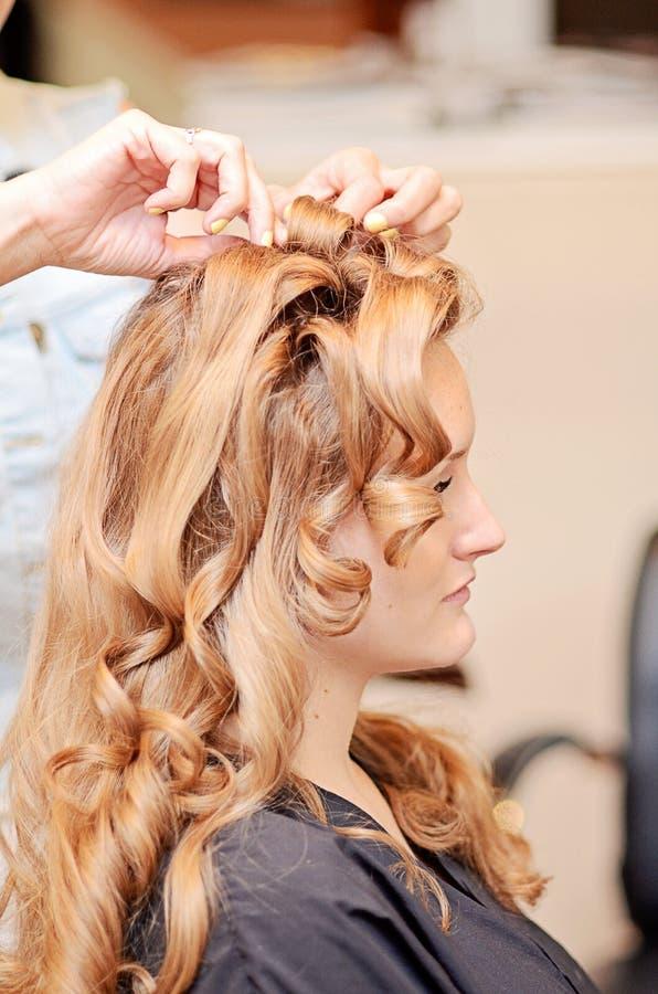 Designazione dei capelli della donna fotografia stock