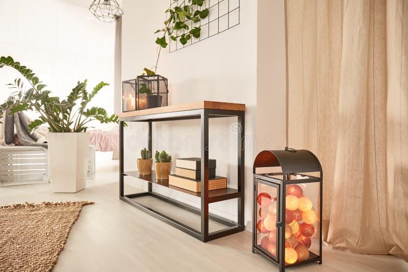 Designermöbel mit Wattebäuschen lizenzfreie stockfotos