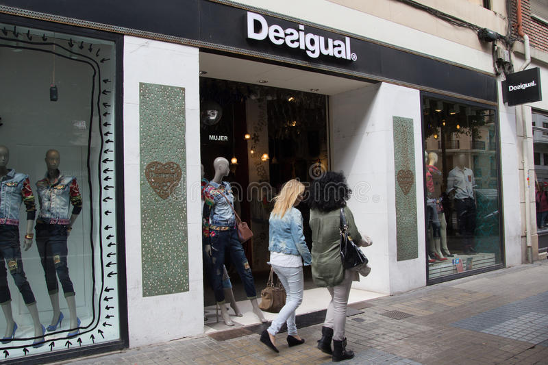 Clothing stores in barcelona spain