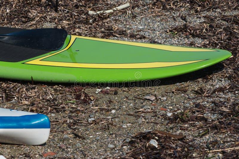 Deski Wyznaczać dla Stoją up Surfować na plaży obraz royalty free