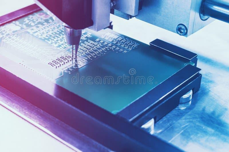 Deskowa lub układ scalony produkcja zdjęcie stock