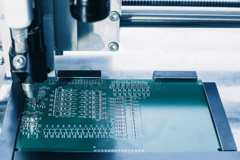 Deskowa lub układ scalony produkcja fotografia stock