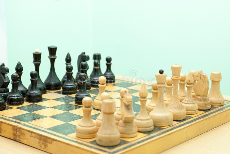 Download Deskowy Szachy Oblicza Wizerunku Gemowego Ilustracyjnego Wektor Zdjęcie Stock - Obraz złożonej z hobby, szachy: 57670360