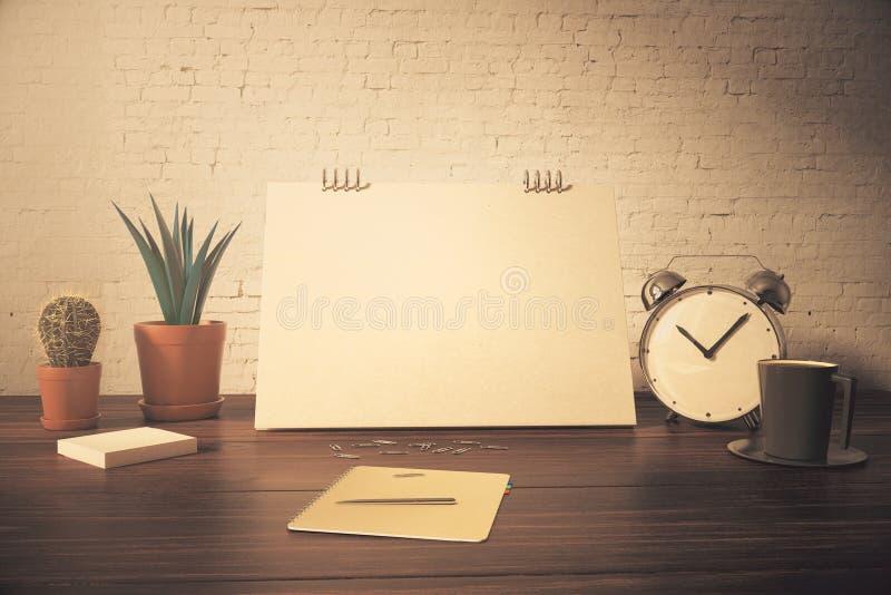 Desktop con la carta in bianco royalty illustrazione gratis