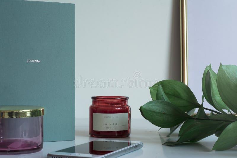 Desktop do negócio com as folhas do caderno do espaço da cópia imagens de stock royalty free